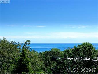 2990 Beach Dr, Victoria